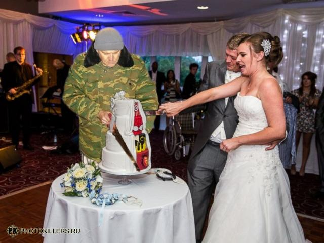 superhero_wedding_cake_1.jpg